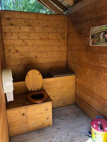 ... toilette sèche...